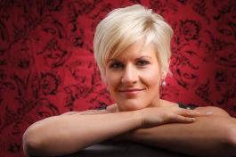 Ingrid Kittlaus | Studio Headshots