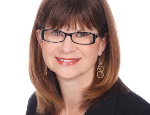 FAQ – Should I wear Glasses for my Headshot?